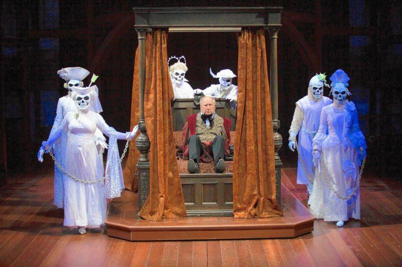 hc-review-christmas-carol-hartford-stage-20151215